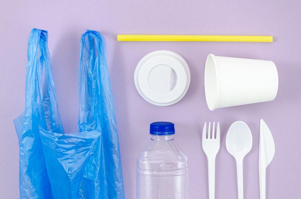 conjunto de productos de plásticos de un solo uso