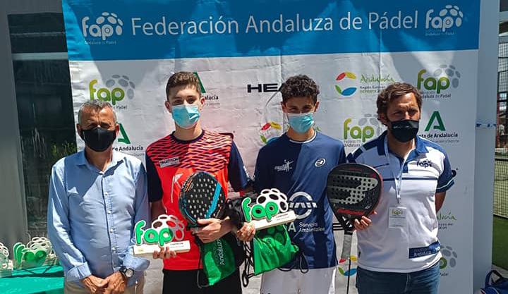 Santi Pineda, campeón de Andalucía de pádel por séptimo año consecutivo